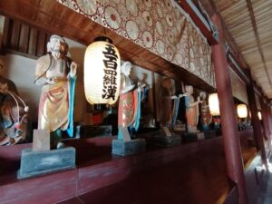 地蔵寺奥の院 五百羅漢堂